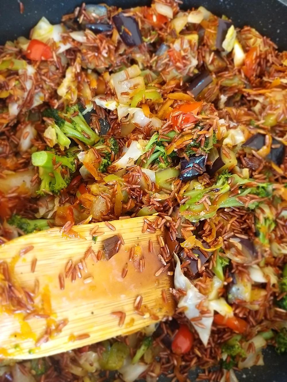 אורז אדום עם ירקות מתכון