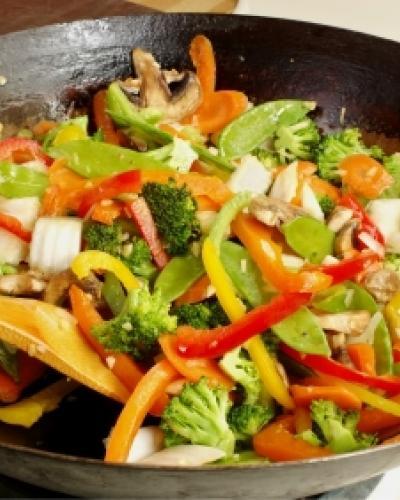 מאש עם ירקות מוקפצים